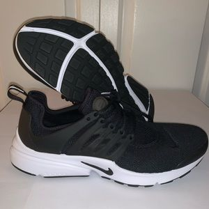 ⭐️Nike Air Presto Black/White Women Size 10